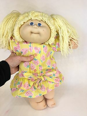 Vintage Cabbage Patch - 1985 - Yellow Piggy Tails and Blue Eyed Girl - Dimple