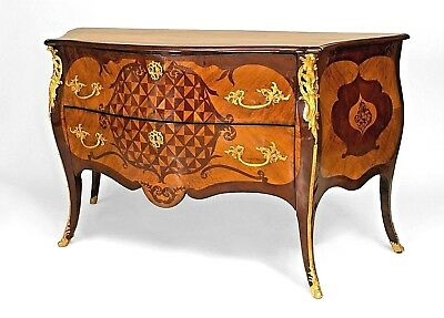 Continental (probably Dutch, circa 1750) Rococo Drawer Commode