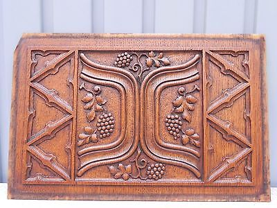Gothic Stunning panel in oak - fine quality with grapevines