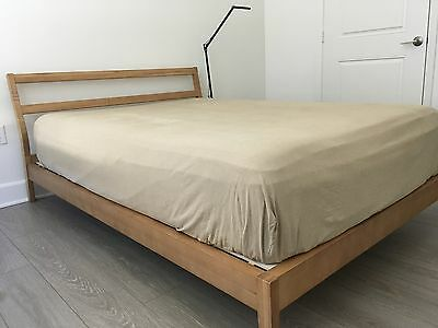 MUJI full size bed with a good condition ( mattress not include )
