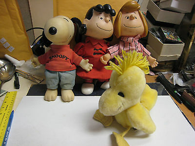 Applause Snoopy 1958 Lucy 1952 Peppermint Patty 1966 & Chirping Woodstock Doll
