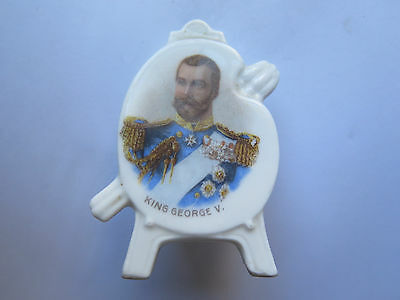 KING GEORGE V CHINA CORONATION SOUVENIR SHAPE of AN ARTISTS EASEL & PALLET c1910