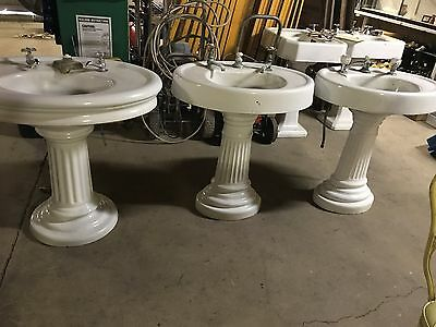 ****set Of 3 Vintage Cast Iron Bath Sinks****