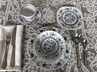 Vintage J & G Meakin Nordic Stoneware England 5 Piece Place Setting