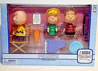 NEW Set of 3 Peanuts Charlie Brown Christmas Collection Figures Linus,Schroeder