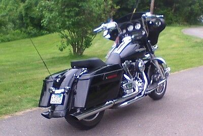 2012 Harley-Davidson Touring  Like new 103 Street Glide