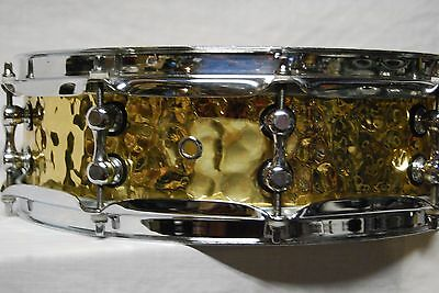 Peace SD-314  4x14 Hand hammered brass snare drum