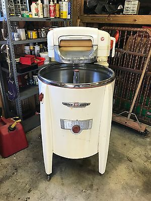 Speed Queen Model A948 Ringer Washer