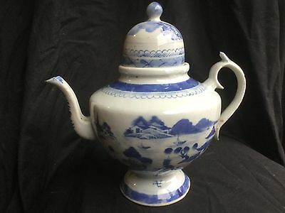 Qing Dynasty Chinese Export Blue And White Teapot