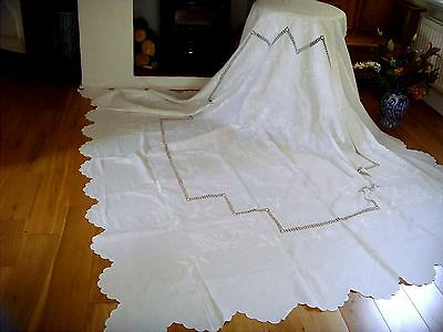 Stunning Vintage Victorian Hand Embroidered Whitework Linen Tablecloth Bedspread