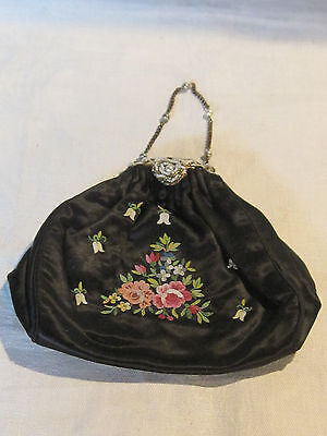Vintage silk embroidered French purse with seed pearl & gold tone bead closure