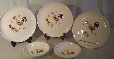 Break-O-Day Taylor Smith Dinner Plates Bowls, Chicken Pattern