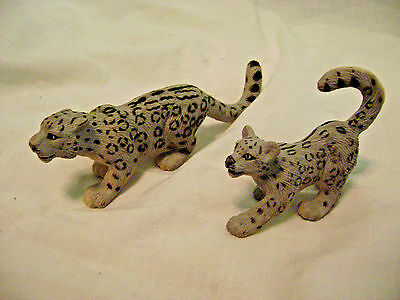 2 Safari Ltd. Snow Leopard/Cub Figurines-2003-Handpainted