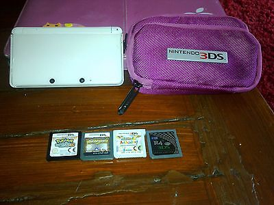 Nintendo 3DS white with 4 games