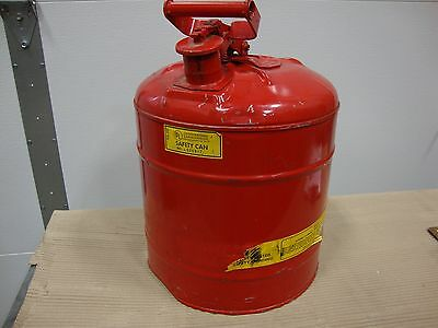 red afety can