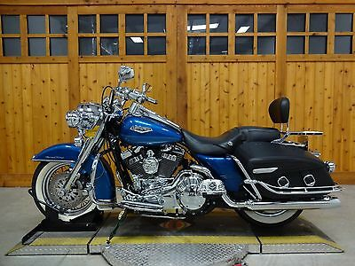 2005 Harley-Davidson Touring  2005 HARLEY DAVIDSON ROAD KING CLASSIC RICH SUNGLO BLUE