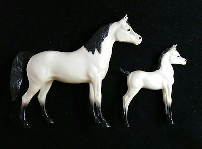 Vintage Hartland Plastics White Horses Mare and Foal Lot of 2