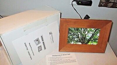 """NEW IN BOX Smart Parts SPDPF70EW 7"""" Digital Picture Frame MEMORY CARD INCLUDED"""