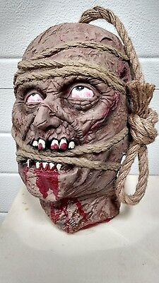 New Latex Hanging Zombie Head By A Rope Horror Halloween Party Decoration Prop