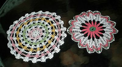 """Vtg Lot 2 Round White Yellow Pink Green 3D Center Hand Crocheted 11.5""""&9""""doilies"""