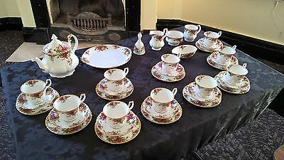 Royal Albert Old Country Roses Teaset for 10