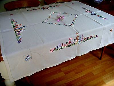 Pretty Vintage Large Hand Embroidered Linen Tablecloth Cottage Garden Flowers