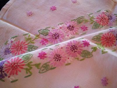"""Delightful Pretty Pastel Daisies ~ Vintage Hand Embroidered Tablecloth 33"""" X 34"""""""
