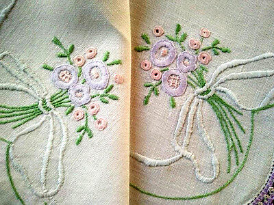 Beautiful Pastel Flower Posies & Bows ~ Hand embroidered Vintage Centrepiece