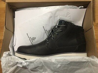 *NEW* TEVA Durban Leather Boot – Size 10.5 M (Men's) Eiffel Tower in Color