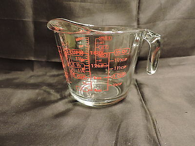Anchor Hocking Glass Measuring Cup Graduated 2 Cups Open Handle Red Lettering