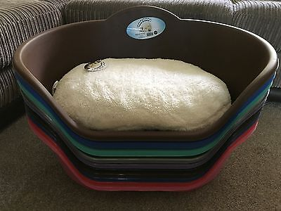 New Medium Plastic Pet Cat Dog Bed Basket With Luxury Fleece Washable Cushion