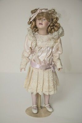 """Collectors - 5 x Authentic Gorgeous """"Gibson"""" Porcelain Dolls - North Ryde Pickup"""