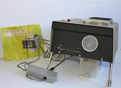 Vintage Photo Projector with Remote Control & Box Synclite 300 Made in Japan