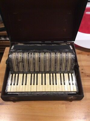 Vintage 1930s Hohner Verdi IIIB Piano Accordion; 120 Bass; VGC
