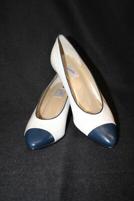 5dffe1f98f46 NWOB JACQUELINE FERRAR Navy Blue   White Leather