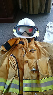 Globe Bushfire  Complete Outfit + Gloves, Helmet, Hood & Goggles