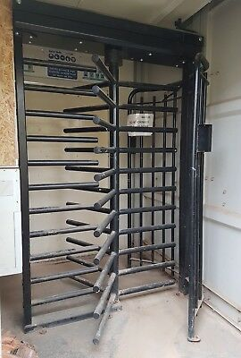 Turnstile. Controlled access.