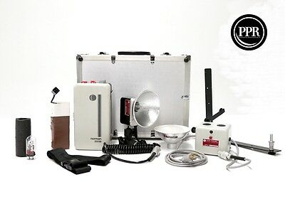 Norman 200B Portable Lighting Kit with LH 2 Strobe Head + Case and Extras EXC