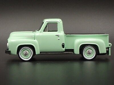 Ford F  F Pickup Truck  Collectible Dioramacast Model Car