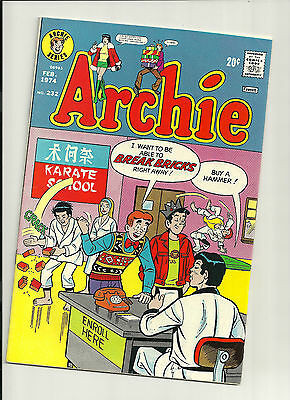 Archie #232 (Feb 1974 Archie) VF- HIGHER GRADE BRONZE AGE BEAUTY! COOL!