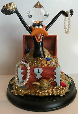 DAFFY DUCK MINE Goebel Looney Tunes LE Numbered COA MINT IN BOX Display Stand