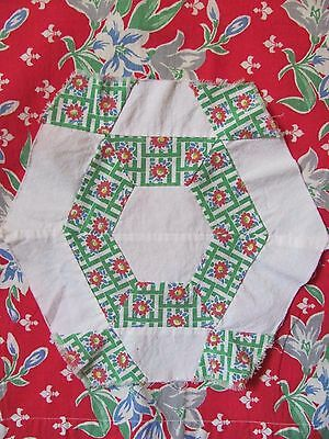 Antique Vtg RARE 6-sided FEEDSACK QUILT BLOCK HAND-PIECED c1930-40's Red/Green