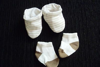 Baby clothes UNISEX BOY GIRL premature/tiny<7.5lb/3.4kg 1 bootees,1 pair socks