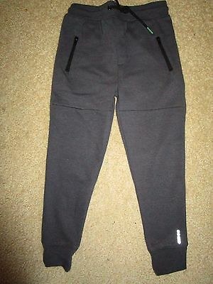 Boys Cotton On  track  pants  with zip pockets Size 5    Near New