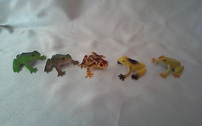 Cute Realistic Plastic Toy Frogs Lot of 5