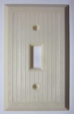 Vintage Hubbell Dashed Ribbed Lines Ivory Color Bakelite Switch Plate Cover Deco