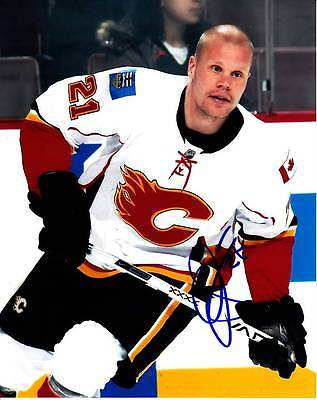 how to get calgary flames autographs