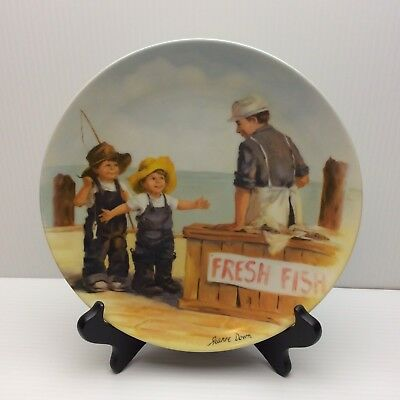 Edwin Knowles Jeanne Down FISH STORY Collector Plate