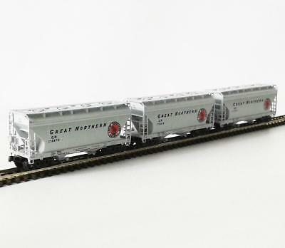 PACIFIC WESTERN RAIL SYSTEMS - GREAT NORTHERN - CEMENT HOPPER 3 PACK - N scale