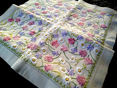 Stunning Field of Daisies & Clover ~ Raised Hand embroidered Tablecloth 38+X39+""
